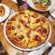 pizza xúc xích thịt xông khói