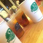 trà đào và cà phê sữa