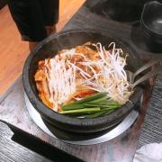 Cơm trộn thịt heo kim chi
