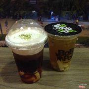 Hồng trà sủi bọt và trà chanh leo, thêm thạch QQ sữa 3k