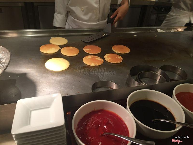 Làm pancake tại chỗ luôn
