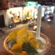 Sữa chua thạch lá nêp trân châu nổi tiếng. Không cần nói gì thêm!!! Điểm 10 cho chất lượng!!!