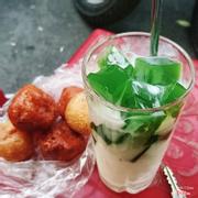 Sữa chua thạch lá nếp + bánh rán