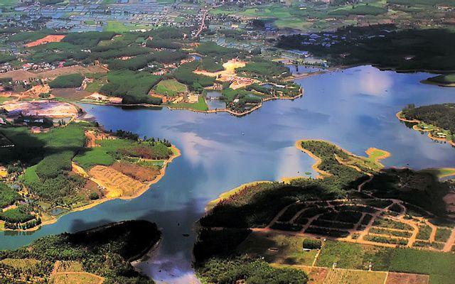 Hồ Sông Mây