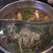 Lẩu nấm và lẩu Sichuan