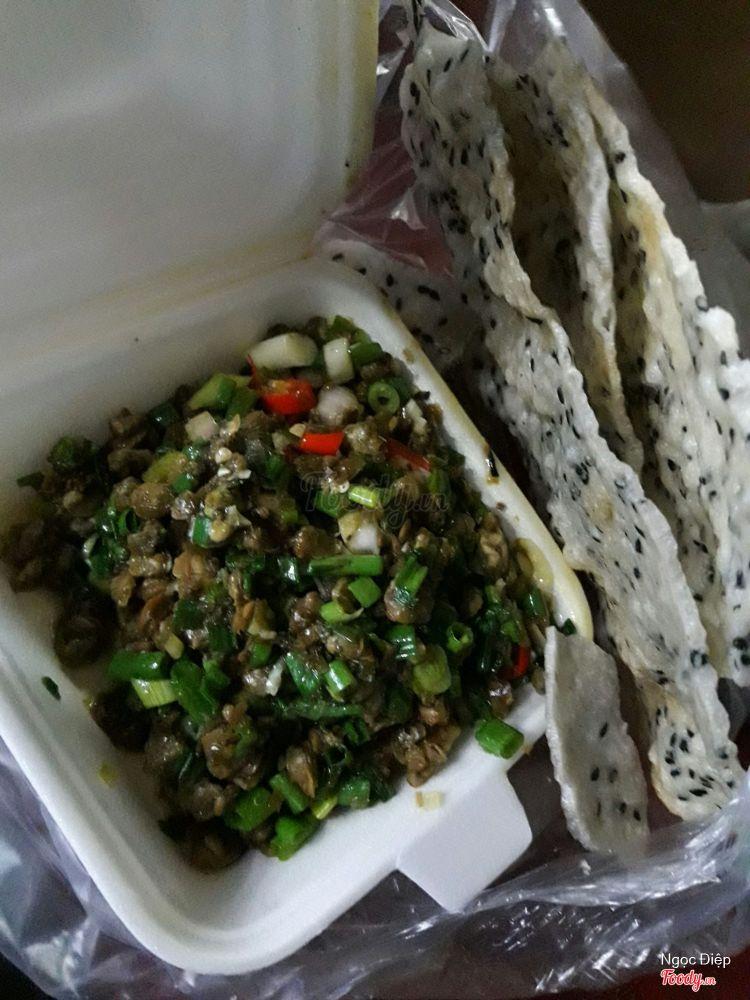 Hến Xào Bánh Tráng ở Khánh Hoà