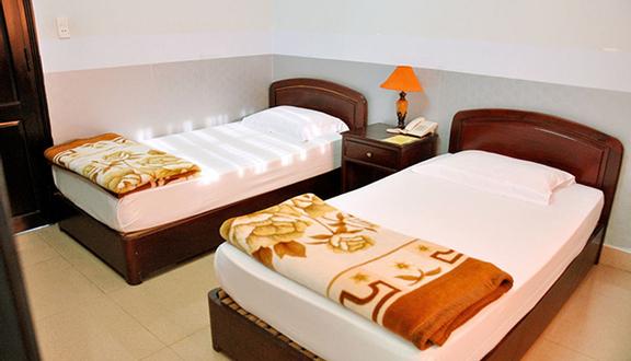 Nữ Hoàng Hotel
