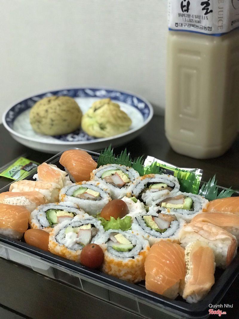 Set sushi (~110k thì phải)