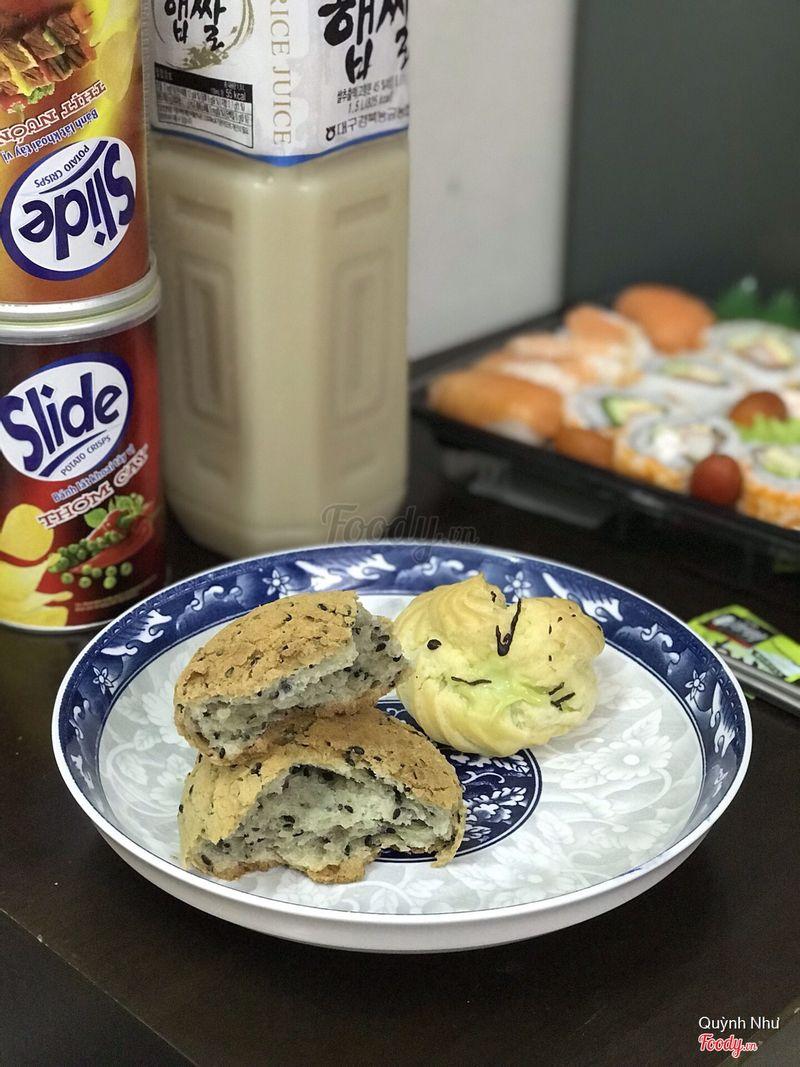 Bánh mè hq và bánh su kem trà xanh