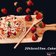Bông lan dâu tây 70k... hiện có bán tại ch bánh mềm ngon... ngoài ra 3,5,7,cn ch dạy làm bánh cơ bản từ 9am đến 3:30pm học phí là 99k/ người bao gồm chi phí nguyên vật liệu :3 mọi người liên hệ: 097.6662131 để được tư vấn nhé!
