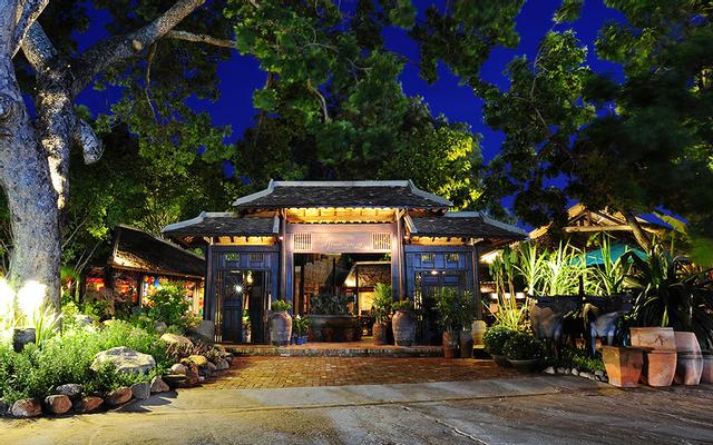 Làng Ngon Restaurant - Ẩm Thực Việt