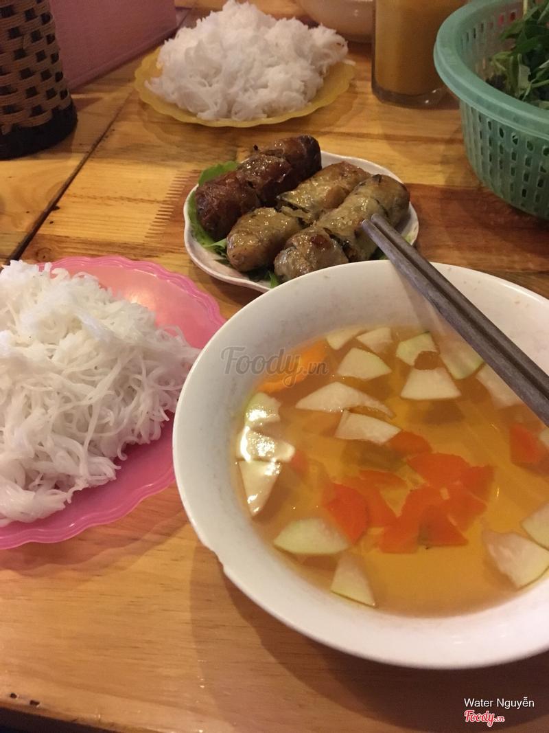 Bún chả chay: đối với người Việt có lẽ cũng bình thường nhưng người nước ngoài khá thích