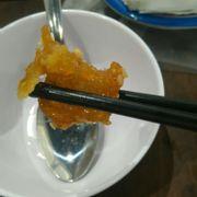 Miếng da gà mong, giòn và thấm vị