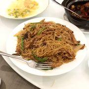 Mì xào Thịt vịt quay Bắc Kinh