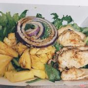Salad gà dứa 47k