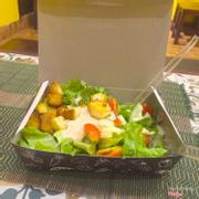 Salad bánh mỳ ô mê ly