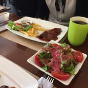 salad sốt dâu tằm ngon ngon