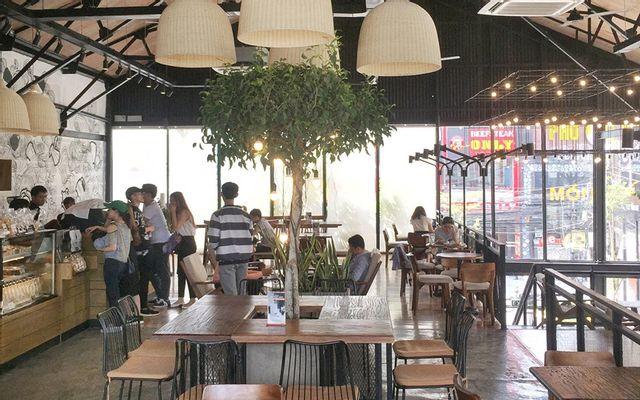 The Coffee House - Phạm Văn Thuận