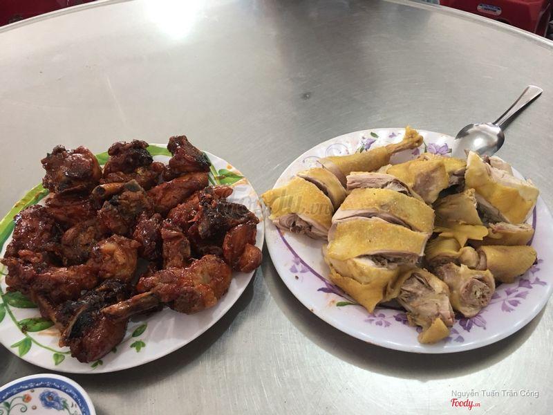 Gà luộc và gà rô ti