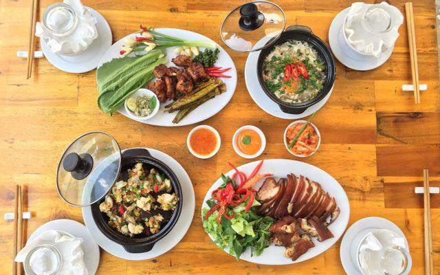 Rau Muống Restaurant