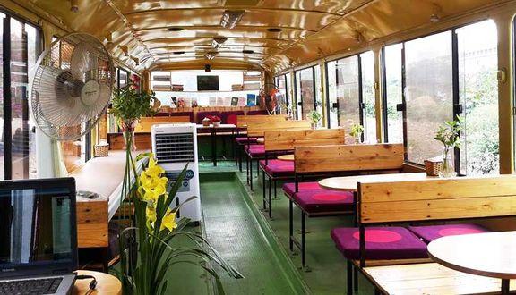 OTO Cafe - Công Viên Cầu Giấy