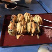 Sushi chiên.  Món này thì rất ngon