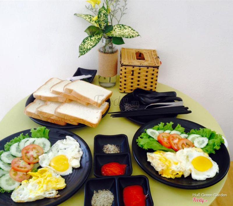 Điểm tâm sáng với bánh mỳ opla 2 trứng
