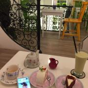 Thưởng thức trà và bánh theo phong cách châu âu .không gian đẹp 100k 1 người là ok