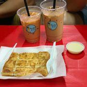Bánh siêu ngon, trà sữa cũng khỏi chê, chủ quán vui vẻ nhiệt tình với thực khách