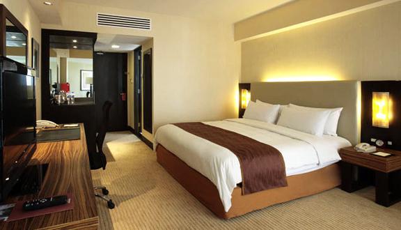 Thái Sơn Hotel