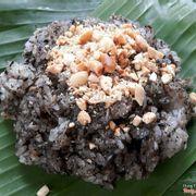 Xôi mè đen dừa đậu phộng
