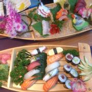 Sashimi và sushi nhiều loại