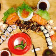 Sashimi cá hồi sashimi trứng cá hồi maki cá hồi maki bơ cơm cuộn cá hồi tái cươn cuộn lươn