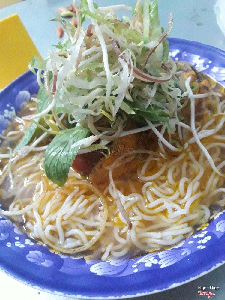 Quán Hồng - Mì Quảng & Bún Riêu ở Khánh Hoà
