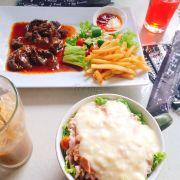 Salad cá ngừ và Beefsteak