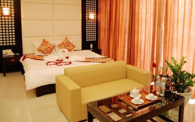 SeaSide Tuần Châu Hotel