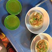 Trứng cút nươngs phomai ( chén hơi bé) nhưng chất lương lắm, miếng phomai mềm mịn+trứng cút béo béo toẹt vs. Ăn vs mắm j đos hơi chua chua 7k/chen
