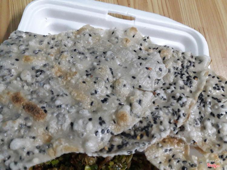 Hến Xúc Bánh Tráng ở Khánh Hoà