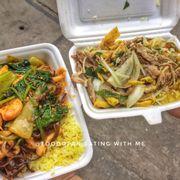 Cơm hải sản + cơm gà xé