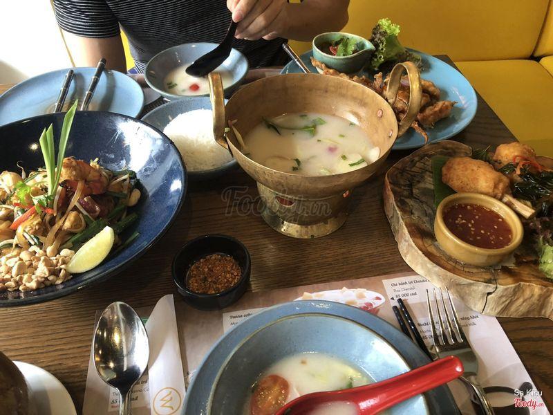 Súp gà nc cốt dừa