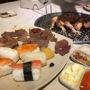Các món BUFFET tương đối đa dạng, nhiều đồ ăn
