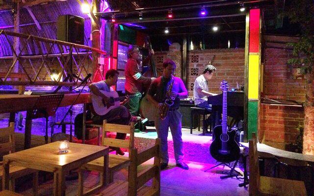 Rio Cafe & Acoustics - Hồ Quý Ly