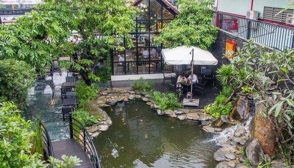The Garden House Cafe Bistro