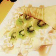 Bánh crepes butter sugar + kiwi