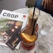 Trà đào và Espresso sữa đá