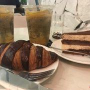 Tiramisu+chocolate croissant
