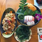 Mì Udon hải sản & Sashimi bụng cá hồi