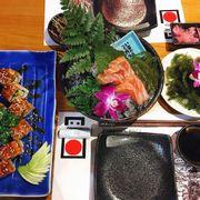 Cơm cuộn phủ lươn Nhật & Sashimi cá hồi
