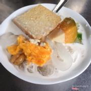 Chè Campuchia thêm bánh flan