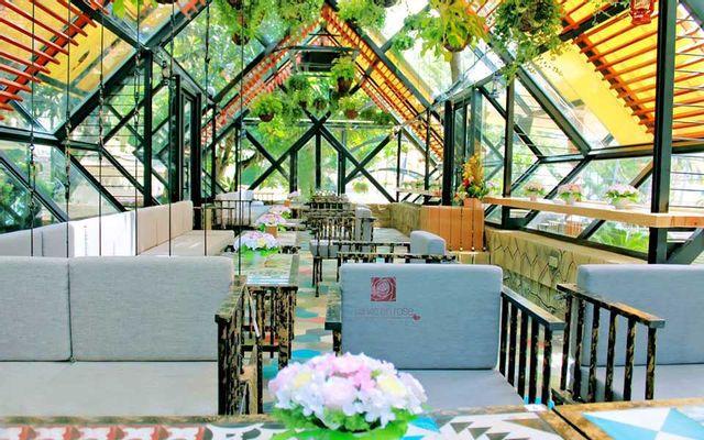 La Vie En Rose Coffee & Spa